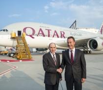 Qatar Airways wchodzi w nową erę podróży lotniczych wraz z dostawą pierwszego samolotu A380