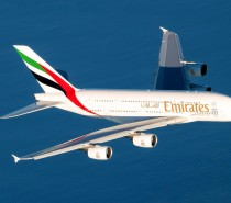 Airbus A380 Emirates wraca do Narity w Japonii