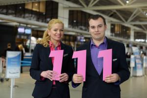 Załoga pokładowa Wizz Air świętuje dodanie 111 lotniska do siatki połączeń