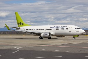 Air Baltic Boeing 737-300 Olivati-1