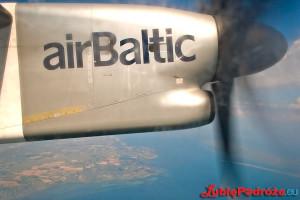 airBaltic Q400
