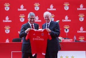PRT- MAY192015-   Sir Tim Clark, President Emirates Airline and Mr. Luis Filipe Vieira, President of Sport Lisboa e Benfica exchange gifts at the official signing of the new three-year agreement that seeÕs the airline become the clubÕs Main Sponsor until 2017/18. Photo by Leonardo Negr‹o