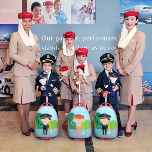 emirates_cabin_crew_and_pilot_uniform_for_children