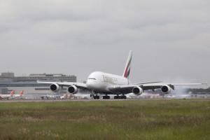 Emirates_A380_lgw_1