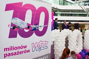 2015-10-20 Wizz Air 100mln 004